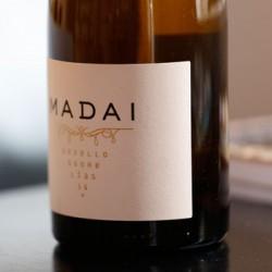 Madai vino blanco sobre lias Godello